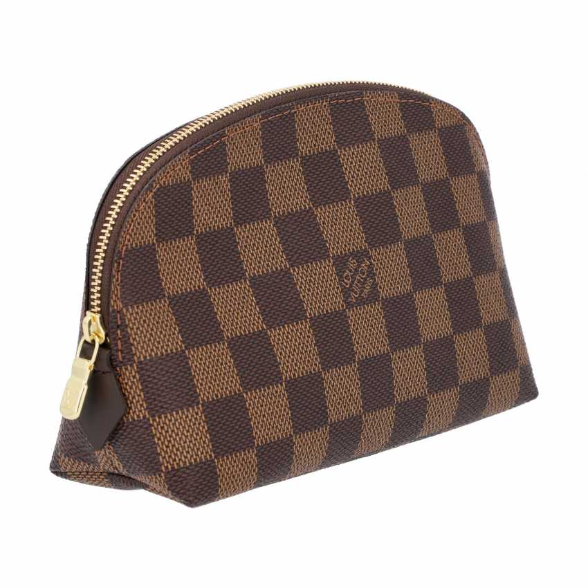 """LOUIS VUITTON cosmetic pouch """"POCHETTE COSMÉTIQUE"""", in the collection of 2018. - photo 2"""