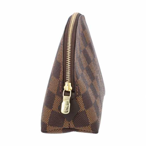 """LOUIS VUITTON cosmetic pouch """"POCHETTE COSMÉTIQUE"""", in the collection of 2018. - photo 3"""