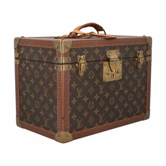 "LOUIS VUITTON VINTAGE cosmetic case ""BOITE PHARMACIE"". Current Price: 6.200,-€. - photo 2"