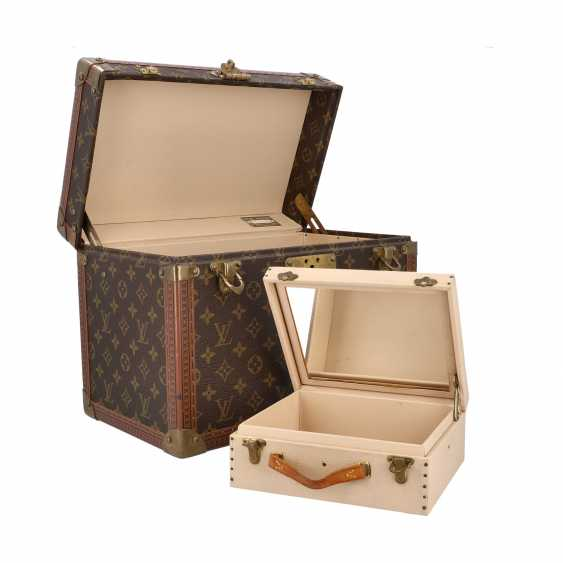 "LOUIS VUITTON VINTAGE cosmetic case ""BOITE PHARMACIE"". Current Price: 6.200,-€. - photo 6"