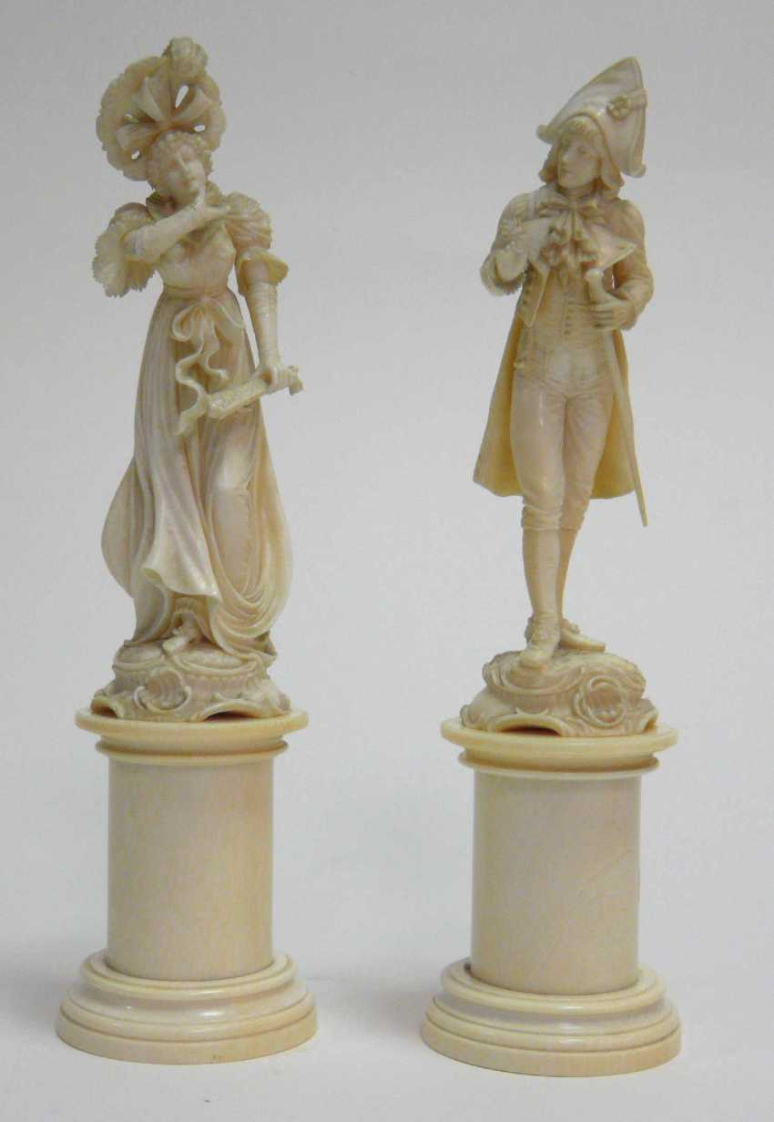 Pair Of Statuettes - photo 1