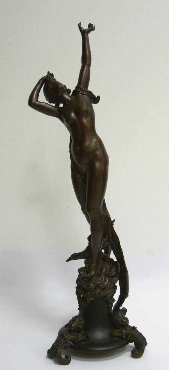 Hermann Götze, Standing, to the sky-looking nymph - photo 1