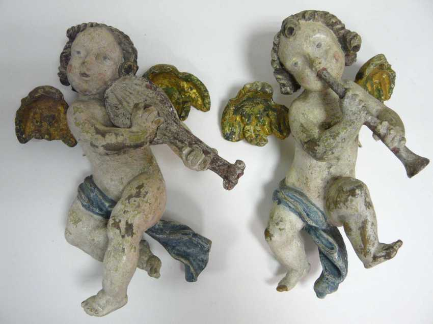 Pair of angels playing musical instruments - photo 1