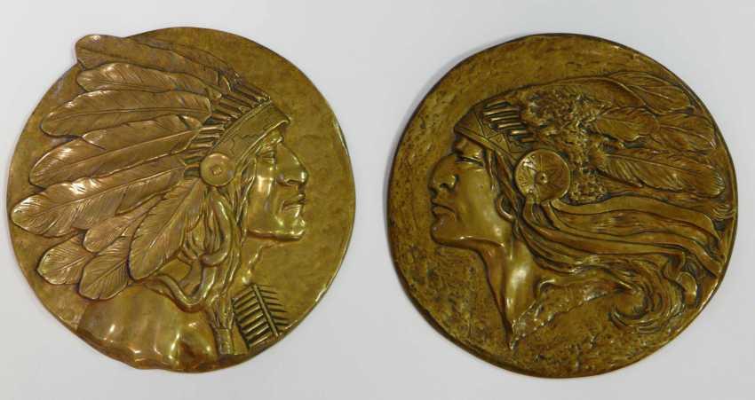 Two Bronze Plaques - photo 1