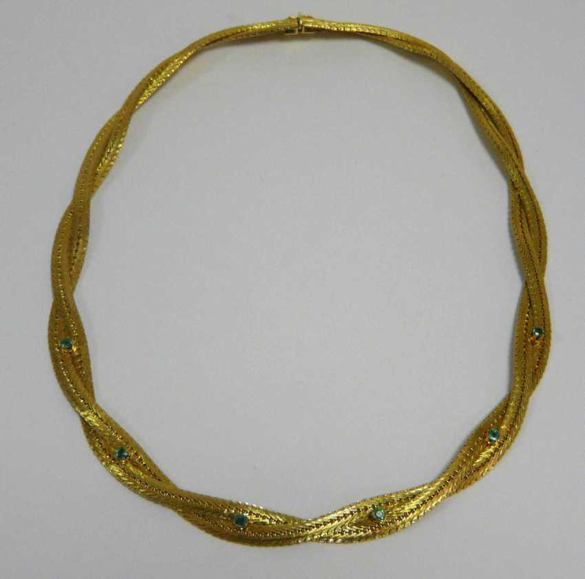 Gold necklace with emeralds - photo 1