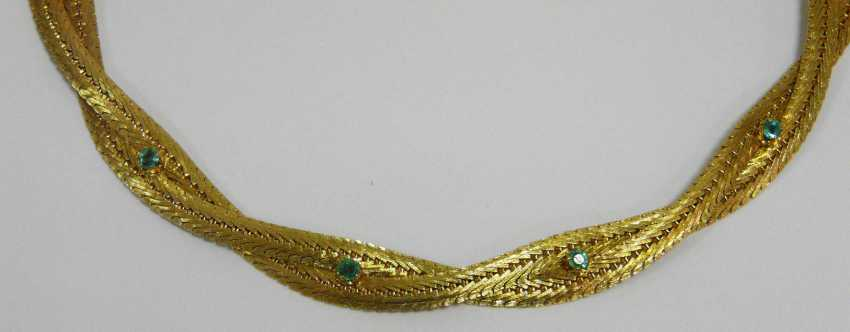 Gold necklace with emeralds - photo 2