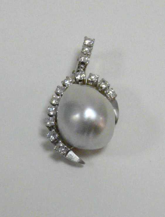Pendant with South sea pearl and diamonds - photo 1