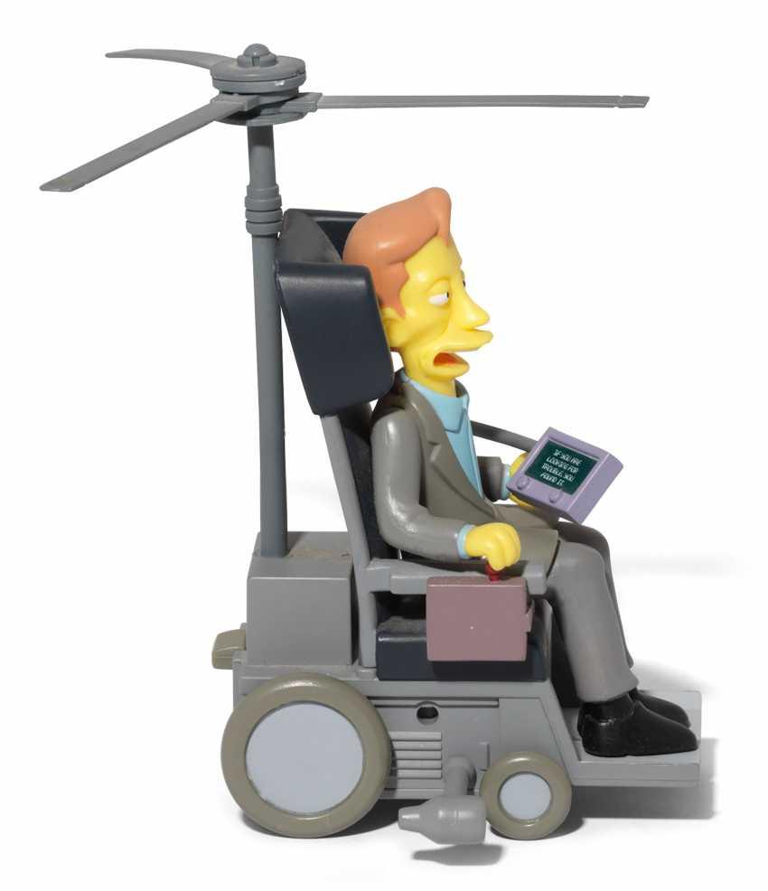 Stephen Hawking's personal Simpsons figurine - photo 2
