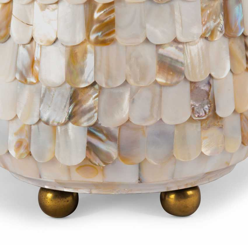 A PAIR OF MOTHER-OF-PEARL LAMPS - photo 3