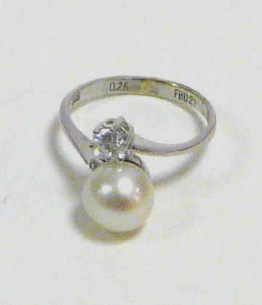 Ring with pearl and Brillant - photo 1