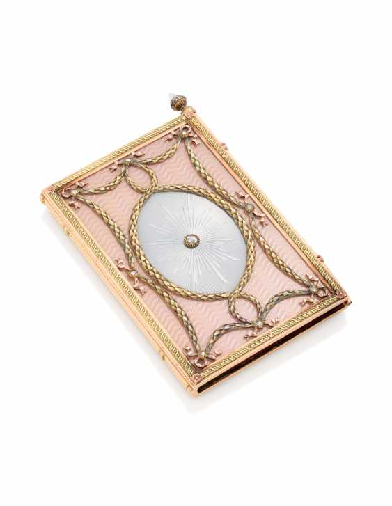 A JEWELLED TWO-COLOUR GOLD-MOUNTED AND GUILLOCHÉ ENAMEL CARNET-DE-BAL - photo 1