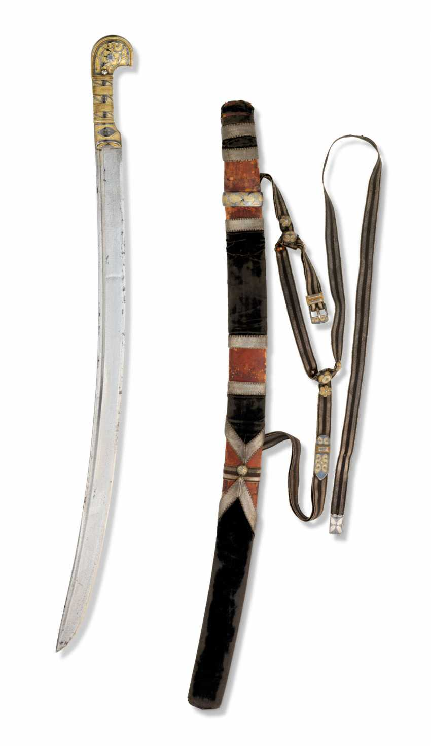A NIELLO AND SILVER-GILT MOUNTED CAUCASIAN SWORD FOR A CHILD - photo 3