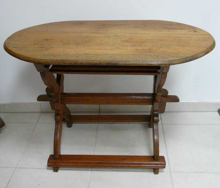Small Baroque Table - photo 1