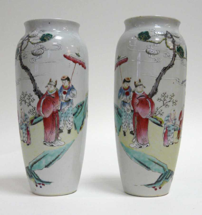 Pair of Chinese vases - photo 1