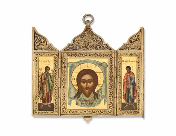A SILVER-GILT TRIPTYCH ICON OF THE MANDYLION - photo 1