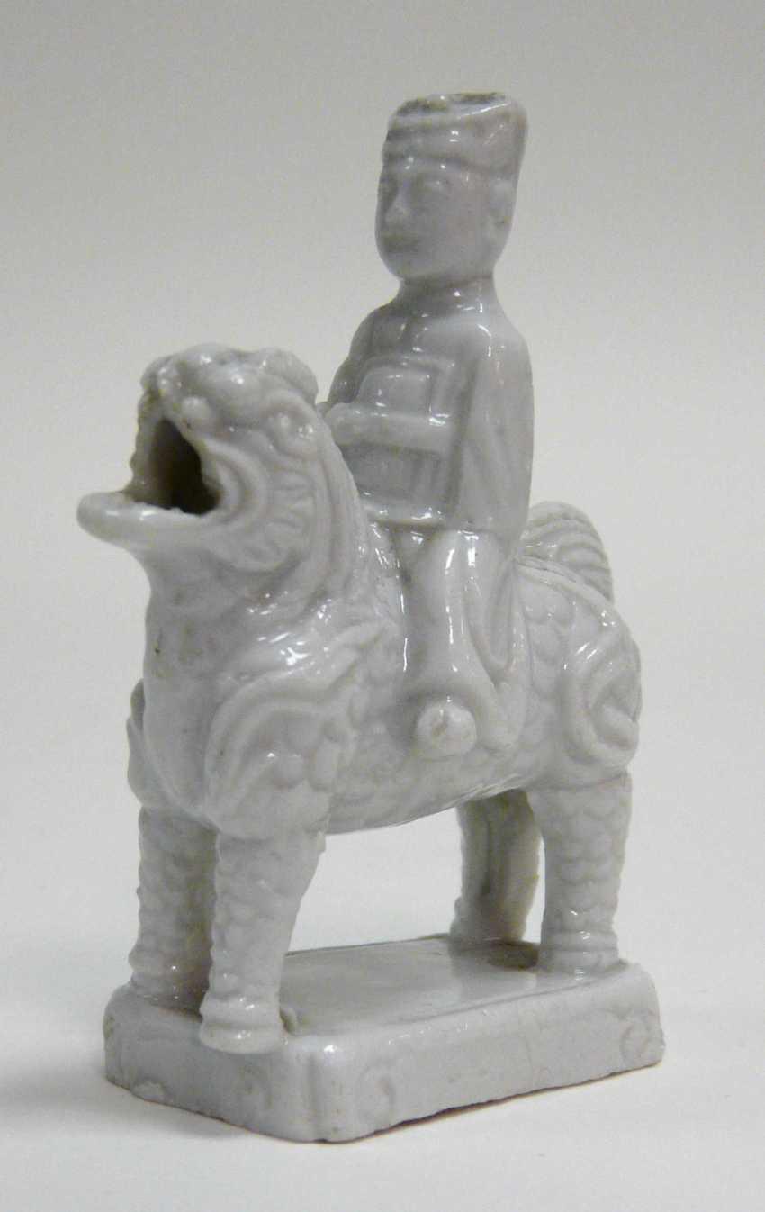 Ritual incense stick holder Dehua porcelain / Blanc de Chine  - photo 1