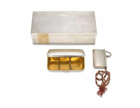 A PARCEL-GILT SILVER SMOKING SET - photo 2