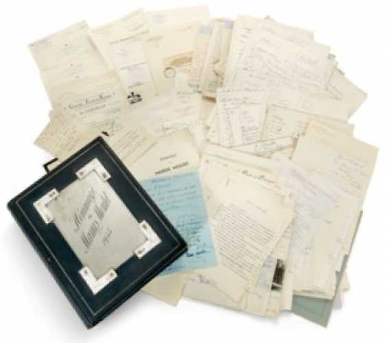 A LARGE AND UNIQUE COLLECTION OF LETTERS AND SIGNATURES PRESENTED TO MARIUS MOUTET ON 18 JULY 1935 ON BEHALF OF THE RUSSIANÉMIGRÉ COMMUNITY IN FRANCE - photo 1