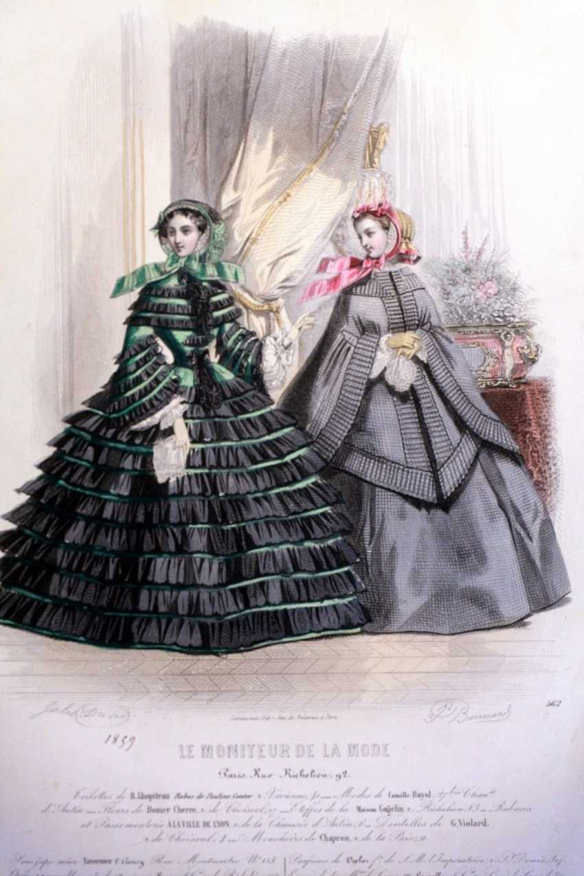 Trendy ladies. Engraving - photo 1