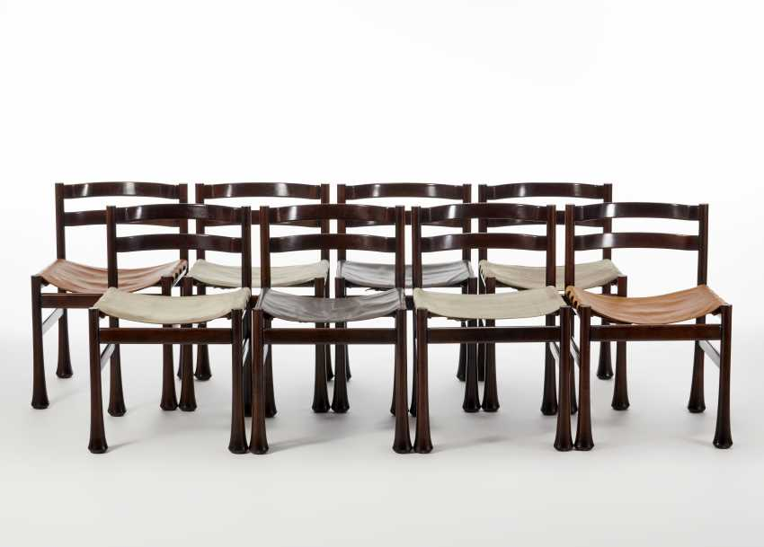 Eight chairs with solid mahogany wood structure - photo 1