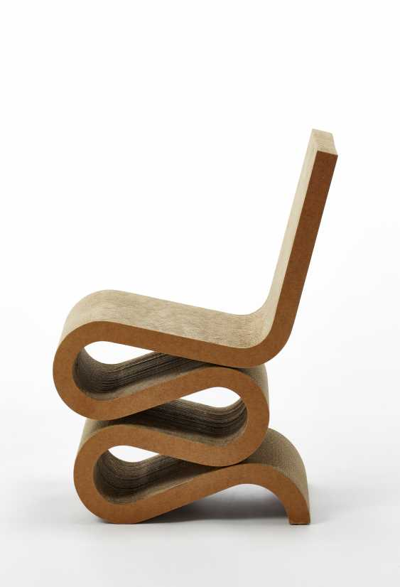 "Chair model ""Wiggle Side Chair"" - photo 1"