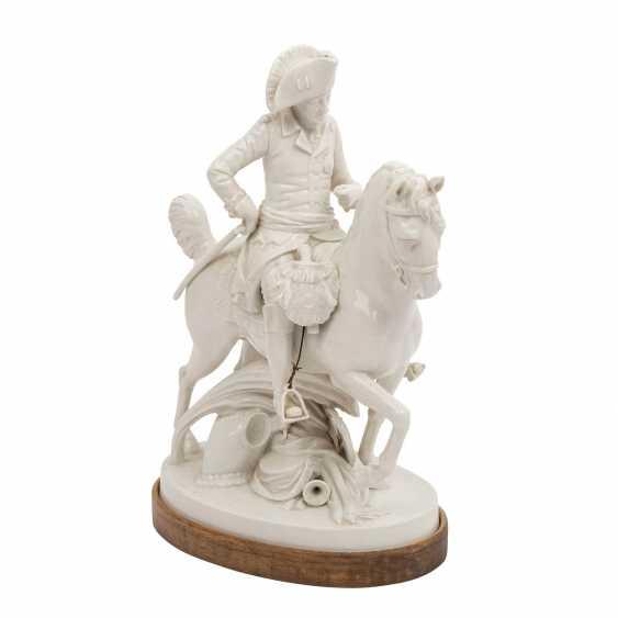 """OLDEST VOLKSTEDT porcelain manufactory, porcelain figurine group """"Frederick the Great on horseback"""" - photo 1"""