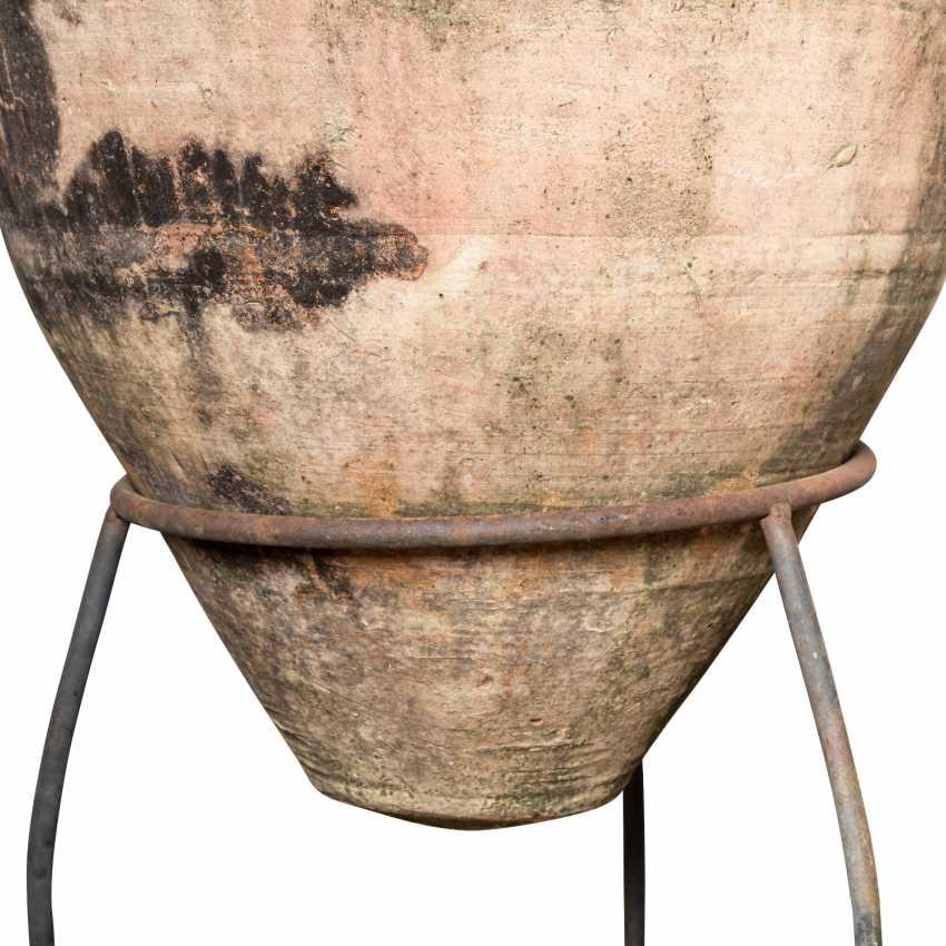 Large wine amphora made of terracotta. TUNISIA. - photo 6