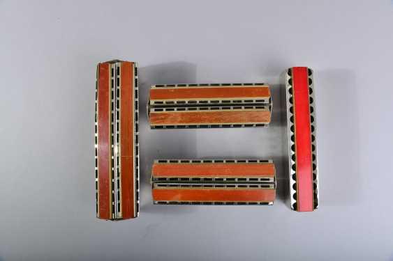 11 harmonicas - photo 3