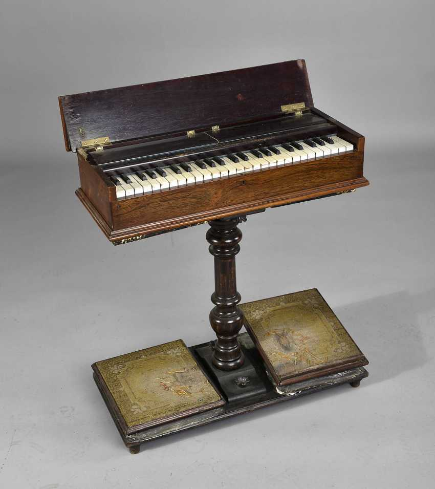 Small Harmonium - photo 1