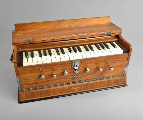 Small Table Harmonium - photo 1