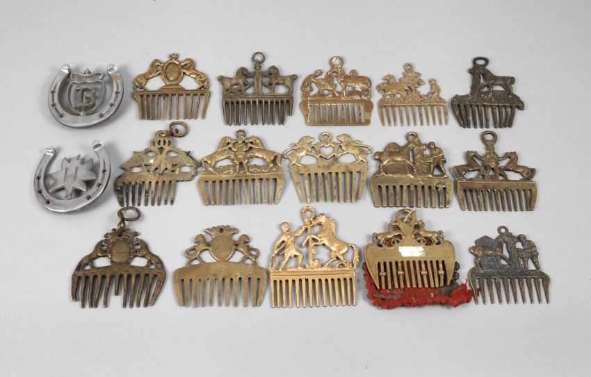 Vintage Horse Combs - photo 1
