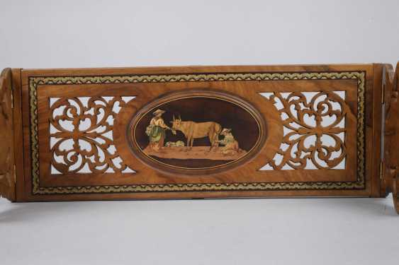 Book support with marquetry - photo 2