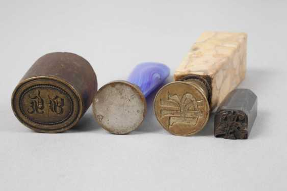 Collection of seals in jewelry box - photo 2