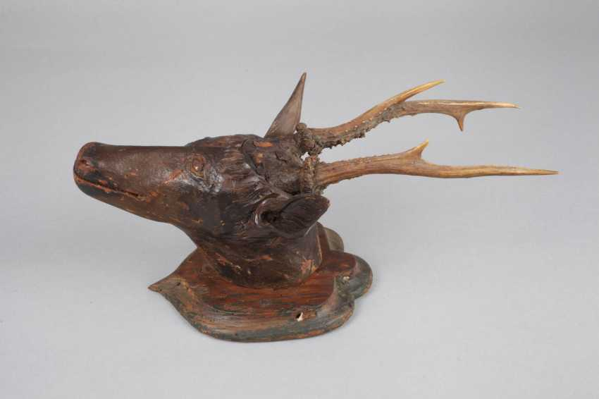 Carved Hunting Trophy - photo 2