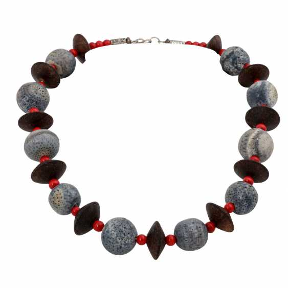 Set of 3 necklaces, - photo 2