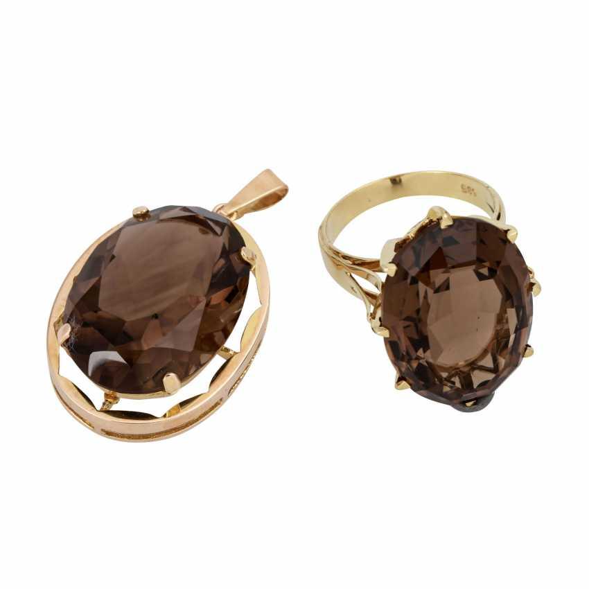 Auction: Set of Ring and pendant with smoky quartz, </div>                             </div>               </div>       <div class=