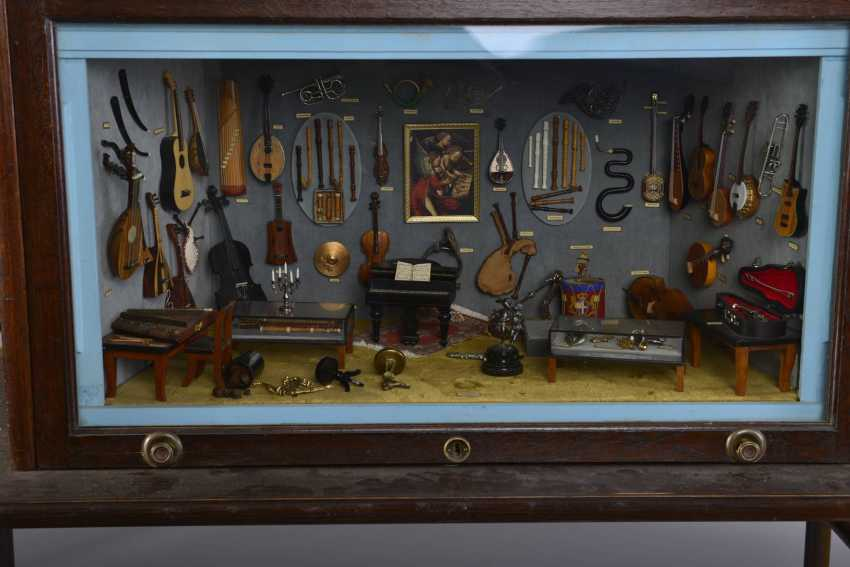 The smallest Museum of musical instruments of the world - photo 2