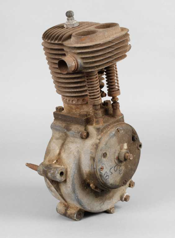 Gasoline engine for motorcycle - photo 1