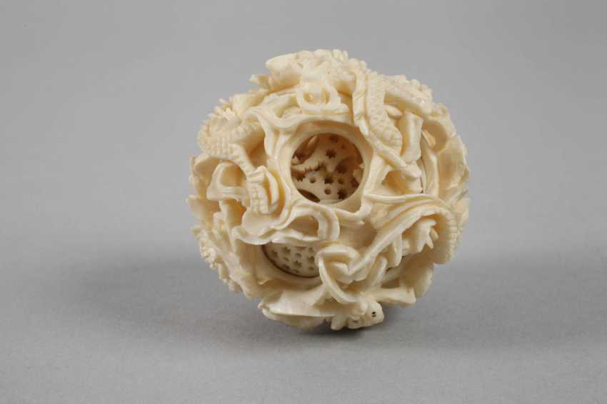 Two Ivory Carvings - photo 5