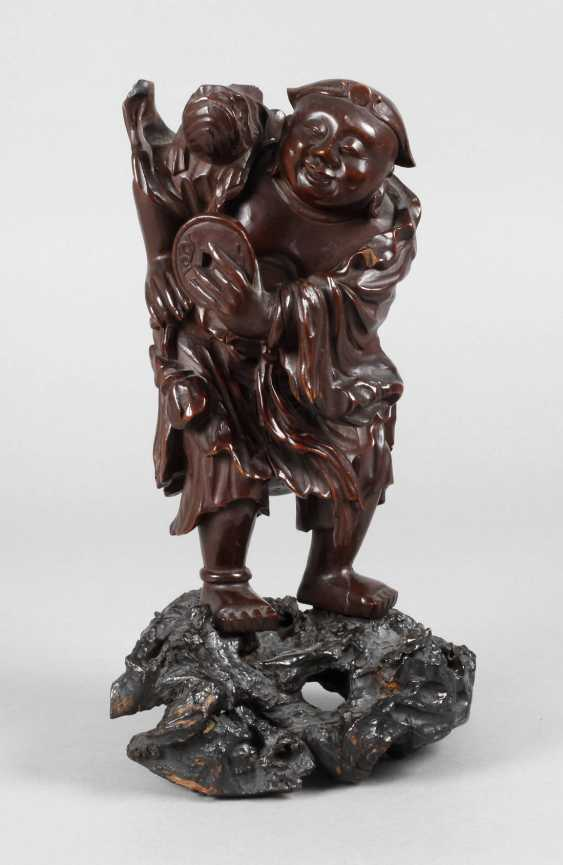 Figural Carving - photo 1