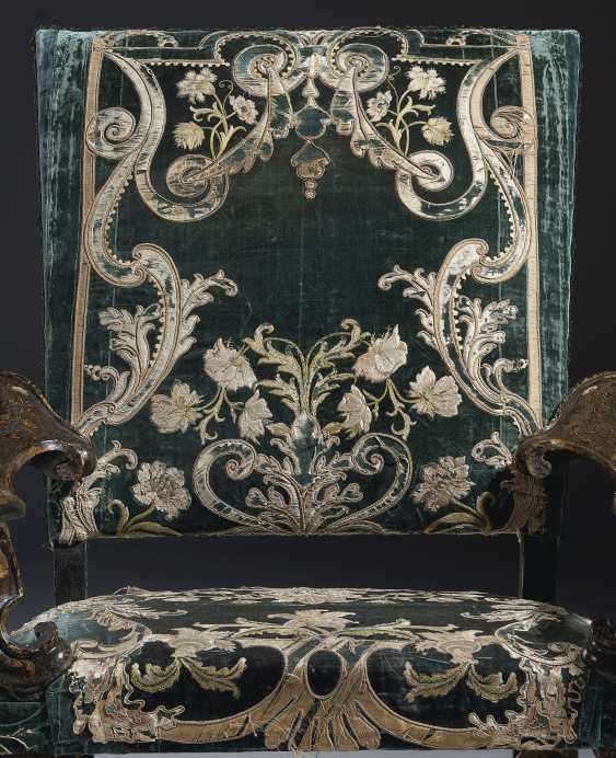 A NORTH ITALIAN MOTHER-OF-PEARL INLAID GREEN, GILT AND POLYC... - photo 2