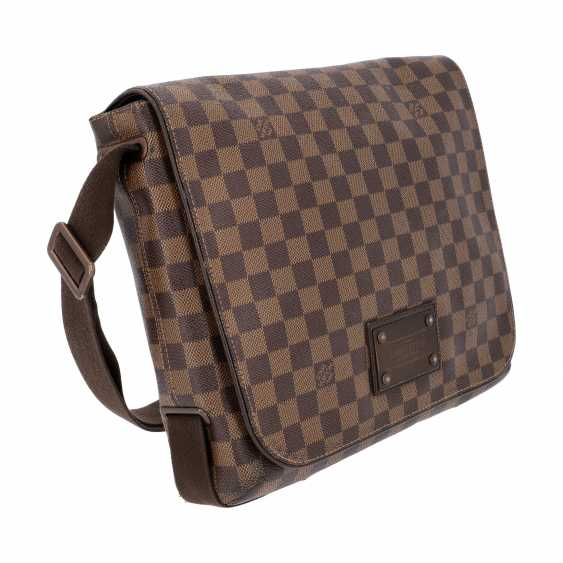"""LOUIS VUITTON Messenger Bag, """"BROOKLYN MM"""", Kollektion 2010. - photo 2"""