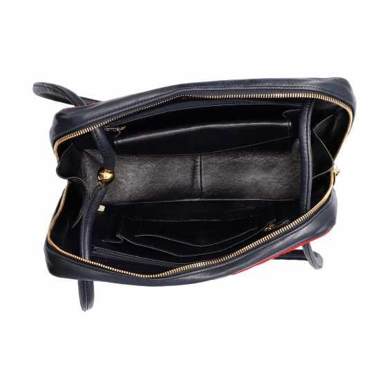 "CHANEL VINTAGE shoulder bag ""CHEVRON CHEMICAL FIBER"", in the collection 1989/1991. - photo 6"