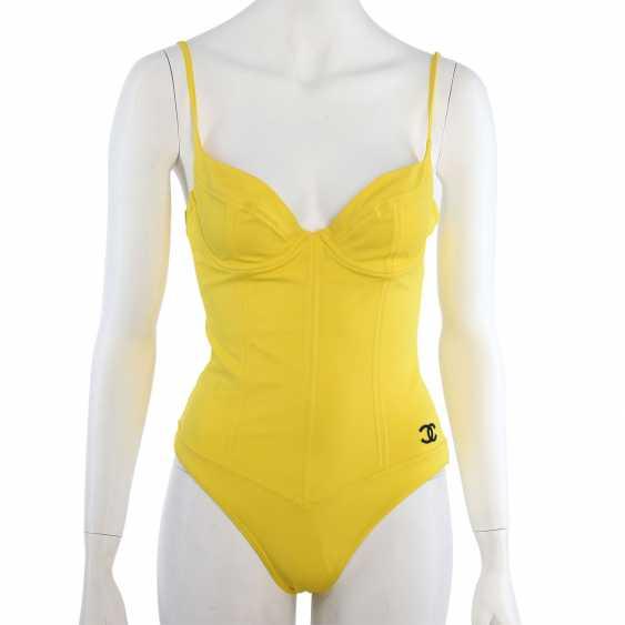 CHANEL VINTAGE swimsuit, Size 38/40. - photo 1
