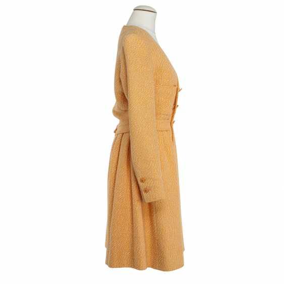 CHANEL BOUTIQUE VINTAGE sheath dress, Size 38. - photo 3