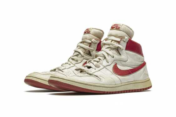Air Ship, MJ Player Exclusive, Game-Worn Sneaker - photo 1