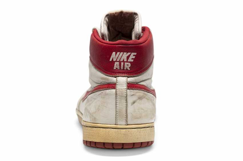 Air Ship, MJ Player Exclusive, Game-Worn Sneaker - photo 6