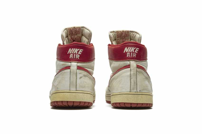 Air Ship, MJ Player Exclusive, Game-Worn Sneaker - photo 14