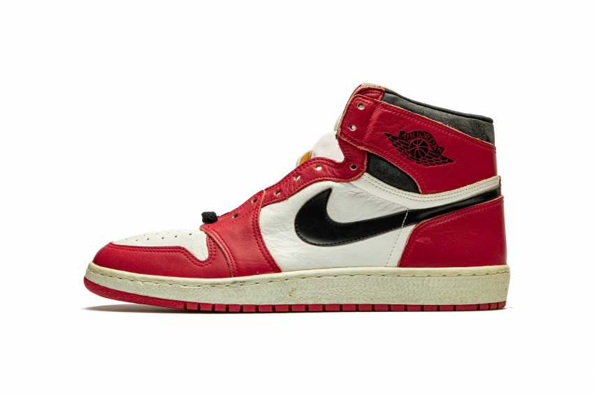 Air Jordan 1 TYPS, Player Exclusive Signed Sneaker - photo 2
