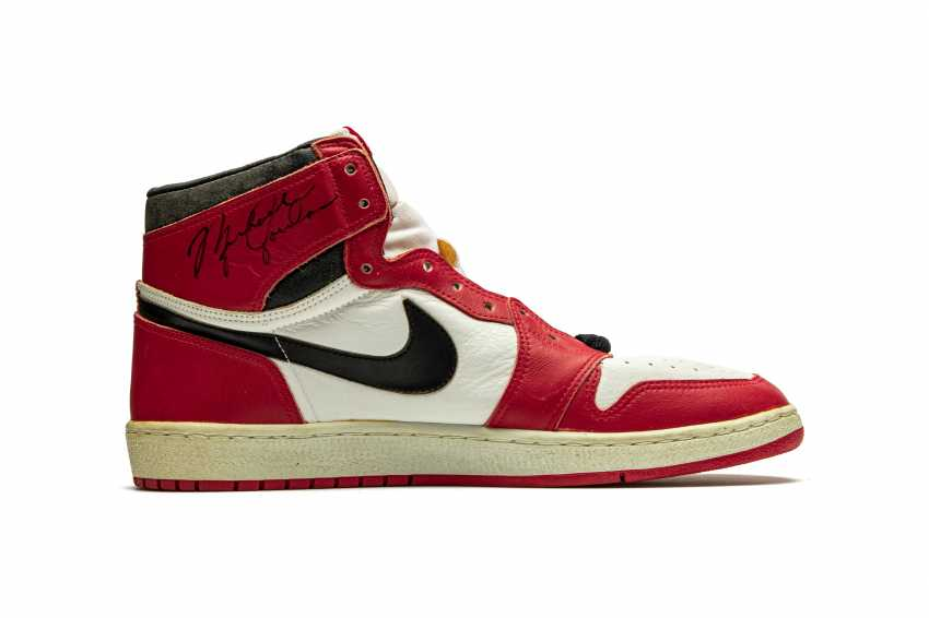Air Jordan 1 TYPS, Player Exclusive Signed Sneaker - photo 3